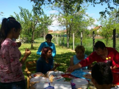 2013 - Vállalati Önkéntesek Napja, Kerepes - Ebédidőben